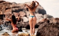beautiful-mind-the-thigh-gap-post-thechive - Tapiture - Bikini Gap
